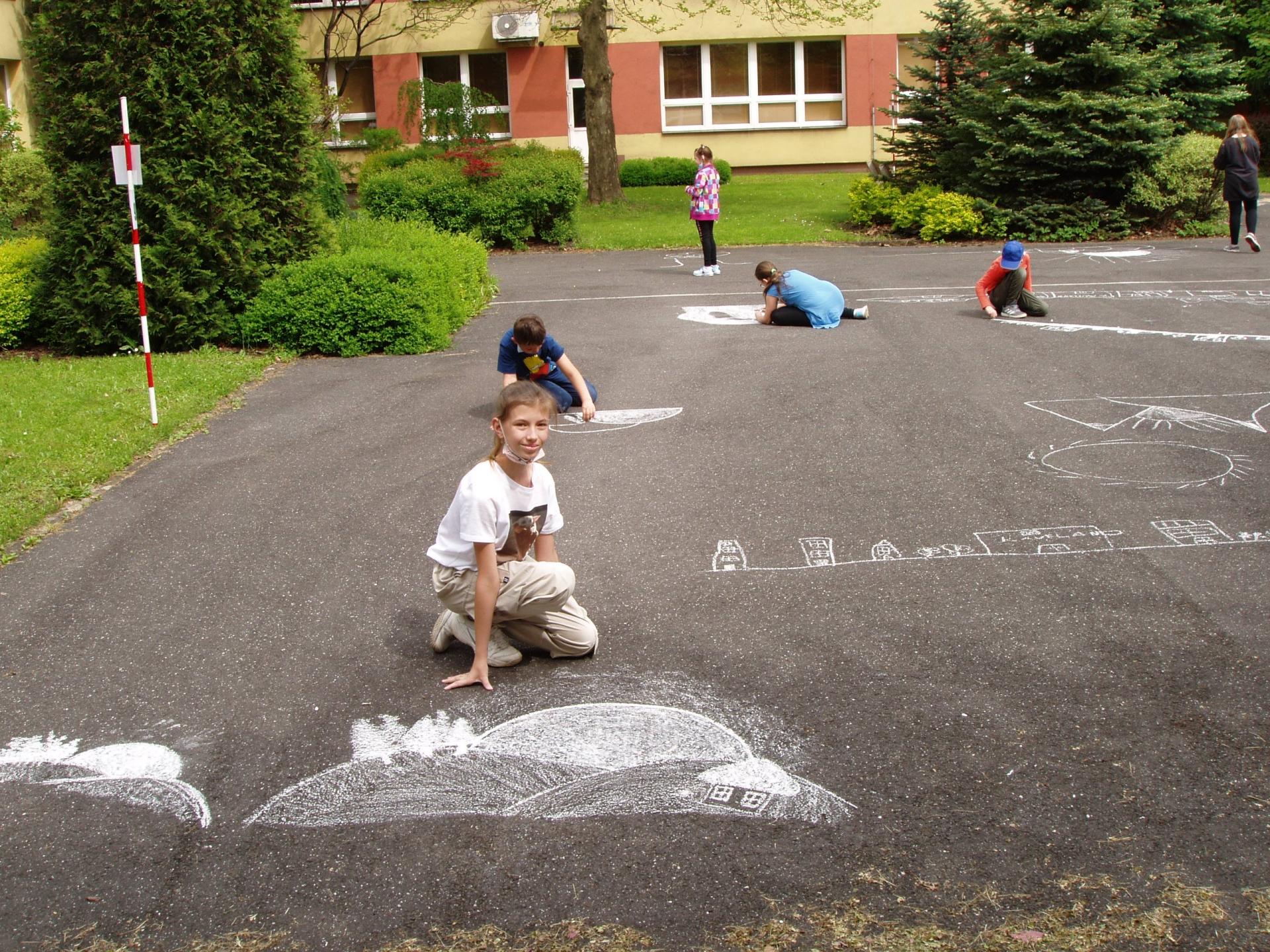 Malování na asfalt